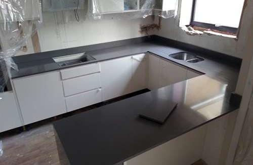 Grey Stone Kitchen Worktops : light grey quartz worktops home portfolio light grey quartz worktops